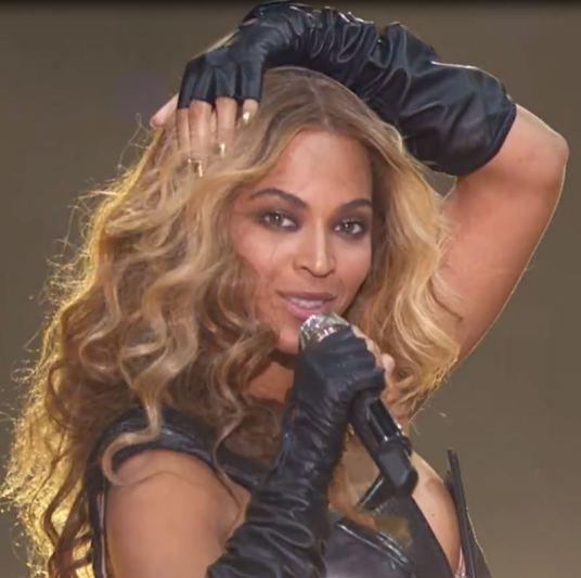 5 Overwhelming singer Beyonce.JPG